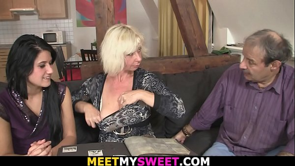 Hot 69 and threesome sex