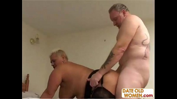 Tattooed old couple do nasy things in bed