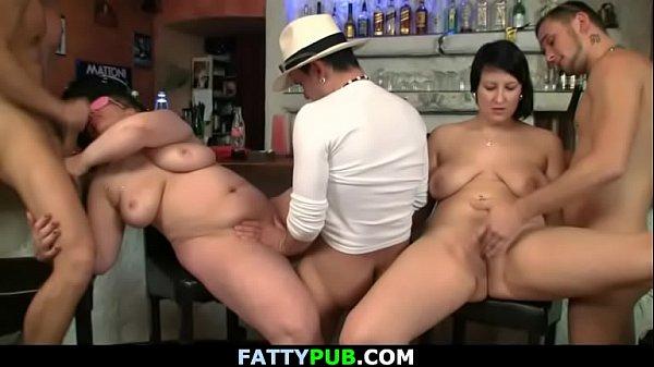 Massive tits bbw fucking in the bar