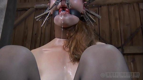 Порно спящих девочек щупают за писи