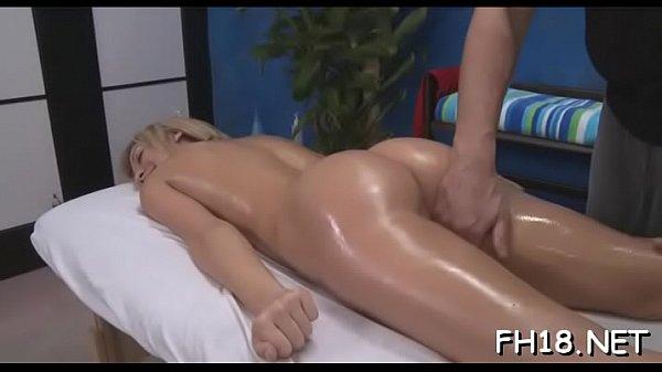 Dame Mopse Braungebrannt Massage