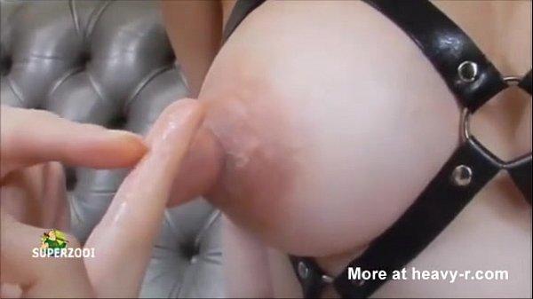 Les meten los dedos en los pezones a japonesa thumbnail