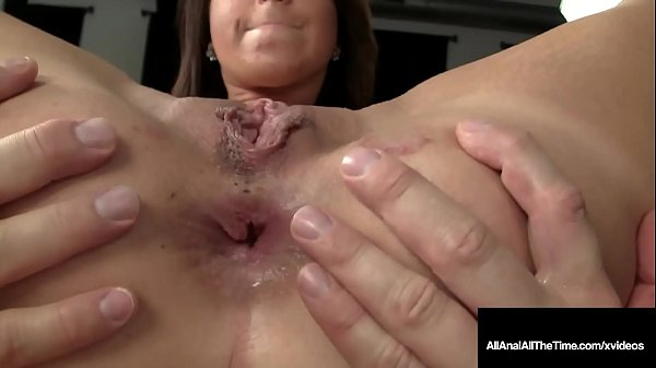Ass Fucked Mia Gold Gets Her Tiny Asshole Packed!