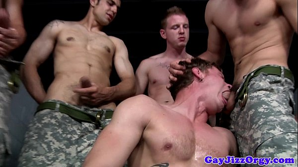 2018-12-25 08:07:47 - Group of militar hunks giving head 6 min  HD http://www.neofic.com
