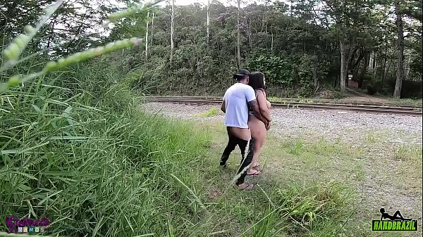 Gabriela Ramos is caught fucking in the woods - Bettohfitness Thumb