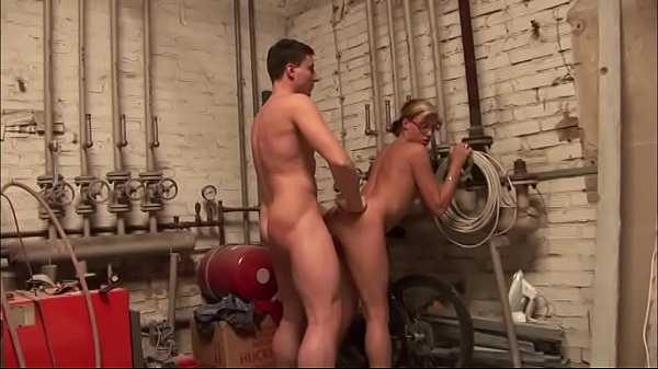 Young lady got a taste for the repairman's cock Thumb