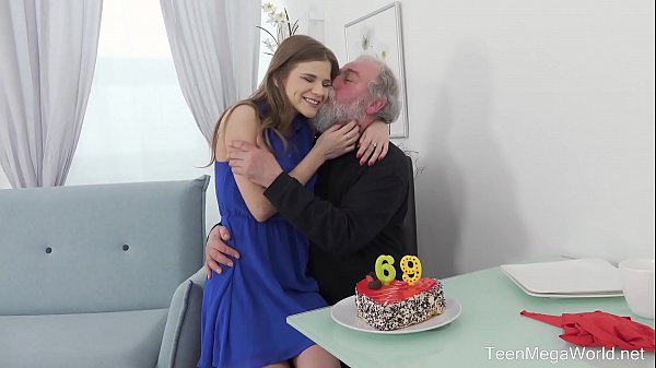 Old-n-Young.com - Sarah Kay - Happy birthday and happy orgasm! Thumb