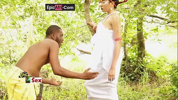 Sex with an ebony goddess - Village outdoor