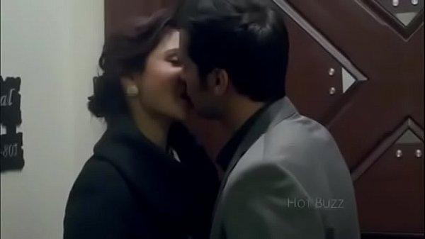 anushka sharma hot kissing scenes from movies Thumb