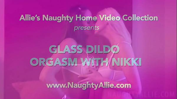 Супер блондинка порно огромный фалос видео анал