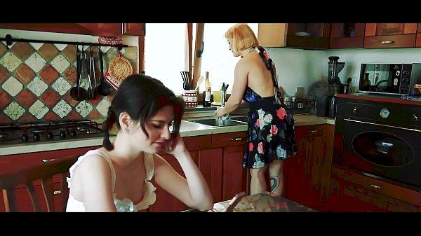 Porno italiano belle mamme che dormono