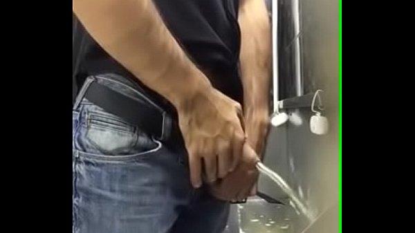 Spying on men pissing