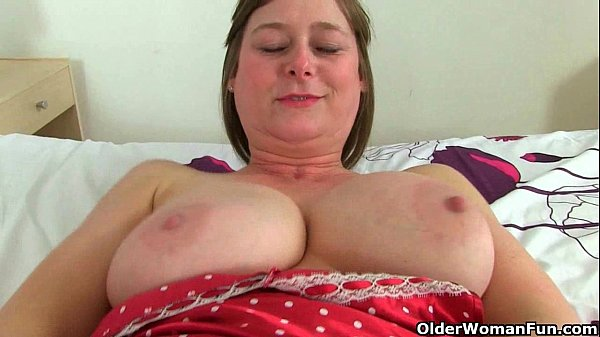 British milf April rips her tights for easy access Thumb