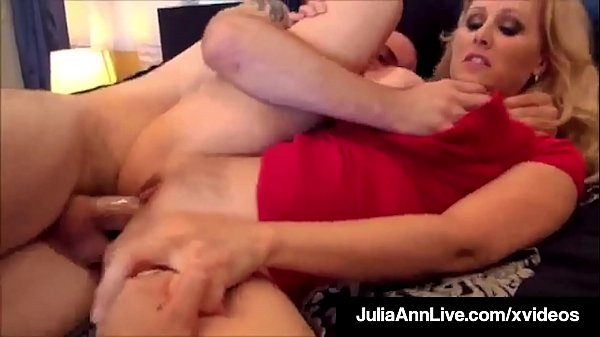 Hot Mature Mommy Julia Ann Gets 2 Cocks & 2 Loads Of Cum!