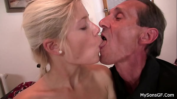 Guy caught blonde GF fucked from behind by oldman