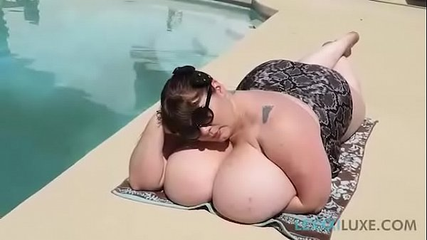Sexy SSBBW Lexxxi Luxe Teases Pool Guy By Going...