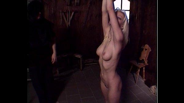 סרטון פורנו blond slave undressed