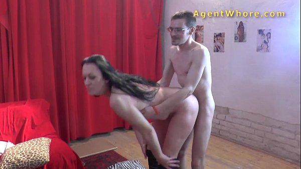 Kinky MILF does erotic stripshow for horny nerd Thumb