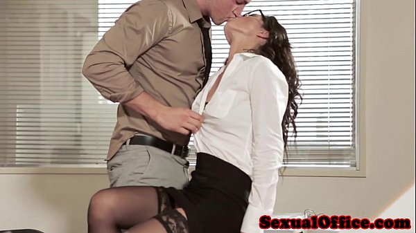 Office sex babe in glasses and stockings Thumb