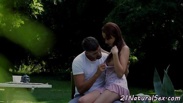 Хорни гола порнографија  Српска зрела дама цунтс момс