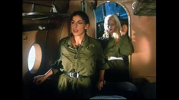 Sarah Young in Le porcone volanti 1 (Mario Bianchi) Thumb