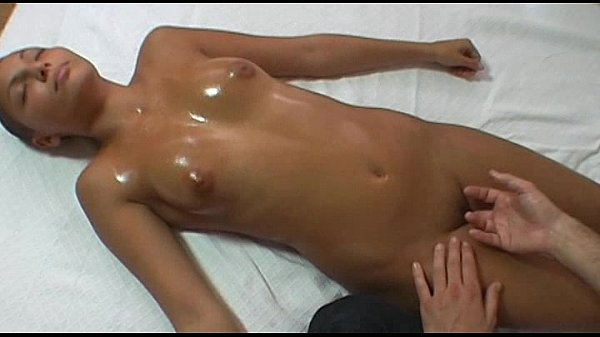 Czech chick gets pussy massage at the 1st casting