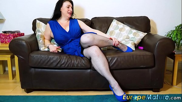EuropeMaturE Busty Lady Sexy Underwear and Fun Thumb