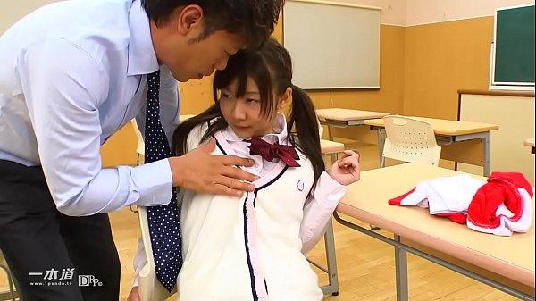 教室で憧れの先生とSEX 2