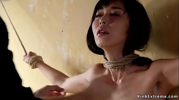 Slim Asian trainee anal banged threesome