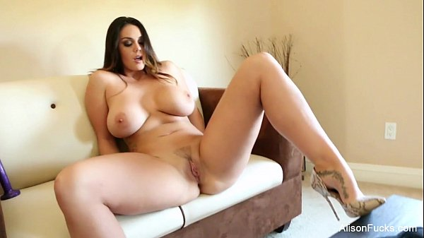 Alison Tyler plays with her pussy Thumb