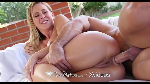 Image PUREMATURE Step mom discovers BIG ANAL secret