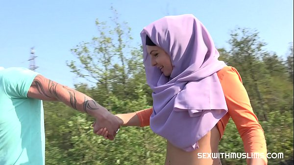 Czech teen muslim girl Mila Fox and her horny boyfriend were on a walk. Randy guy thinks only of sex. They enjoyed outdoor sex with a view of beautiful Prague.
