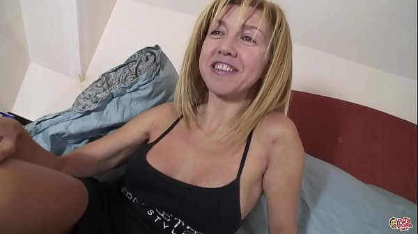 The mature Eva is the milf that everyone wants to fuck: P Thumb