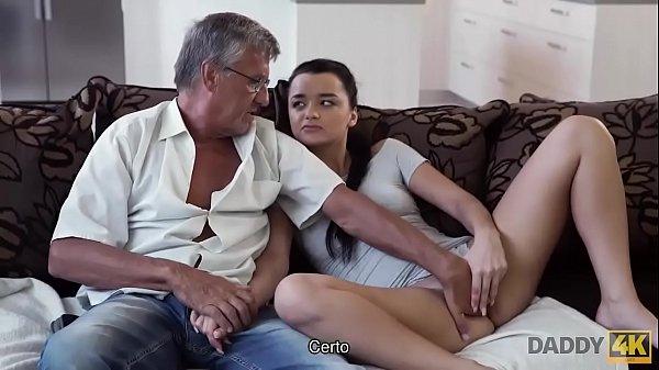 סרטון פורנו DADDY4K. El viejo satisface las necesidades sexuales de la novia de su hijo
