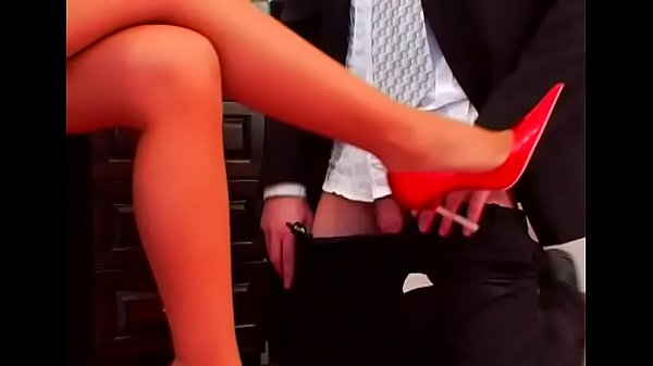 Секс прокрался в дом и трахнул