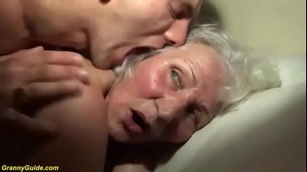 Porno cornea e scopata sorella