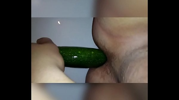 2019-01-19 11:39:50 - Young boy fucks his ass with eggplant 1 min 2 sec  http://www.neofic.com