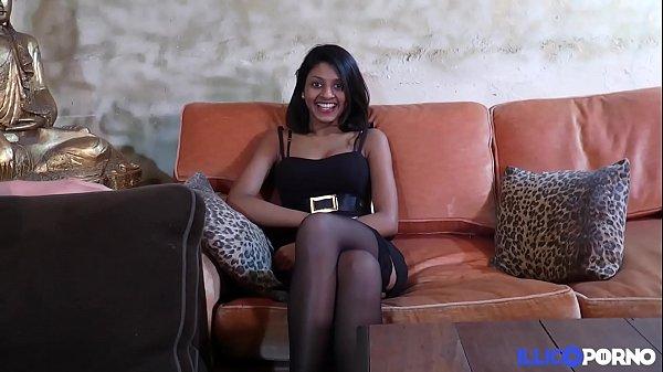 Anais baisée en trio par le mec de sa salope de copine [Full Video] Thumb