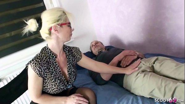 GERMAN MOM Psychologist Seduce MONSTER COCK patient to Fuck Thumb
