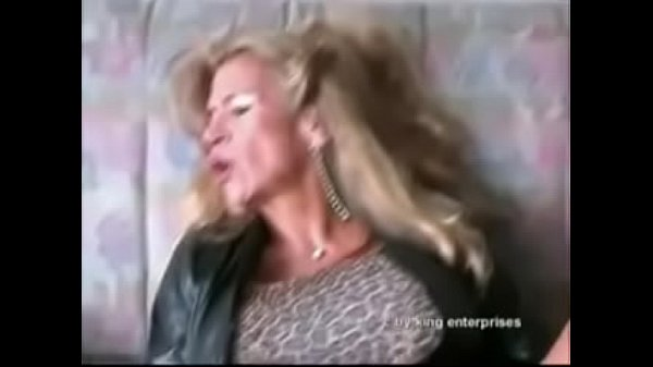 Best Mom Brutally Fucked By Electric Pump. See pt2 at goddessheelsonline.co.uk Thumb
