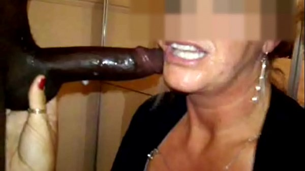 Mature deepthroat gagging