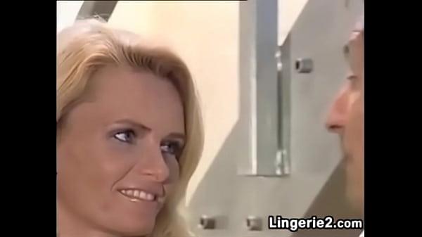 video-konchila-ot-fistinga-smotret-ne-russkoe-porno