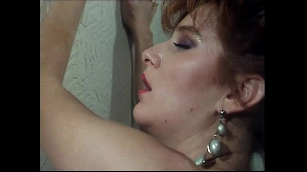 Wonderful eighties... vintage italian porn! Thumb