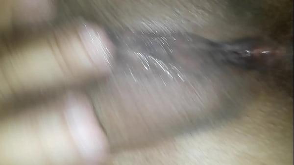 esposa se masturbando