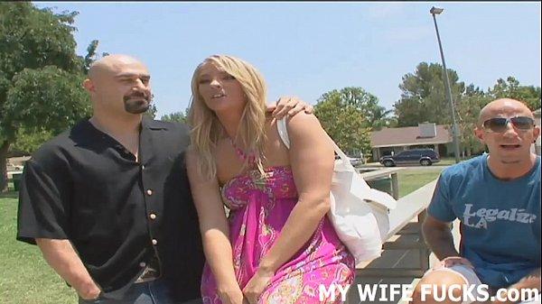 Жена и любовница сообразили на троих видео