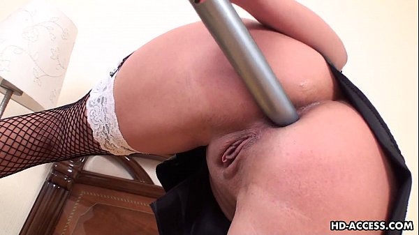 Overly horny maid services her ass with a dildo Thumb