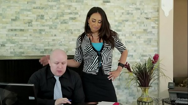 Claudia Valentine Banged In Front Of Cuckold