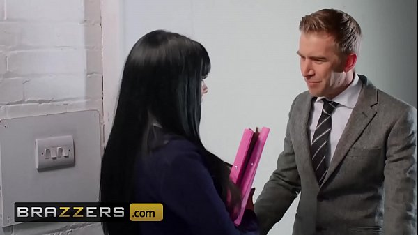Big Tit (Valentina Ricci) takes huge brit cock in the office - Brazzers