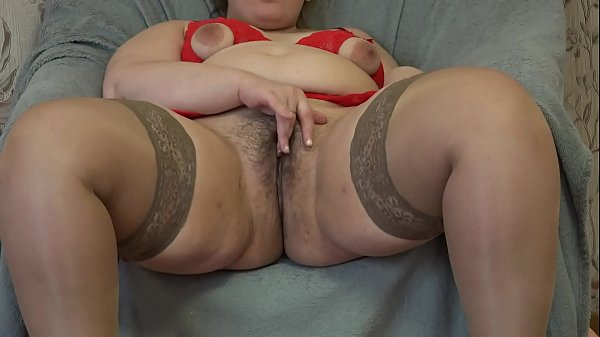 Thick girl masturbates her hairy pussy sex toy Thumb
