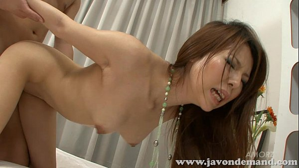 Model Rino Asuka poses for painter and lets him fuck her Thumb